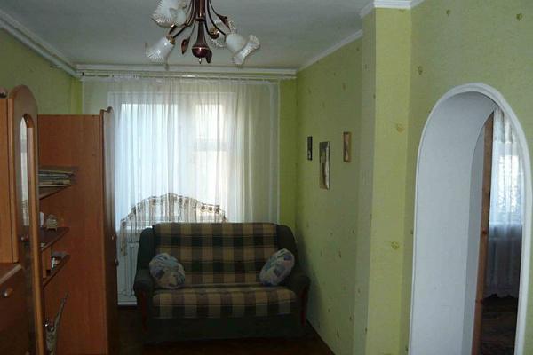 Трехкомнатная квартирапосуточно в Бердянске. Ленинградская0. Фото 1