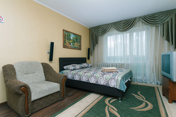 1-комнатная квартира посуточно в Киеве. Дарницкий район, ул. Вишняковская, 8а. Фото 1