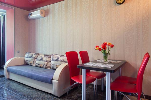 Двухкомнатная квартирапосуточно в Харькове, Дзержинский район, пр-т Науки, 21а. Фото 1