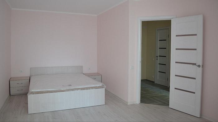 Однокомнатная квартирапосуточно в Вишнёвом, Крюковщина, ул Жулянская, 1д. Фото 1