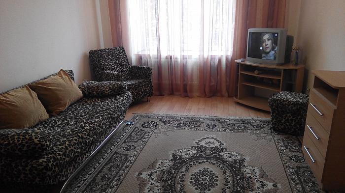 2-комнатная квартира посуточно в Тернополе. ул. Текстильная, 16. Фото 1