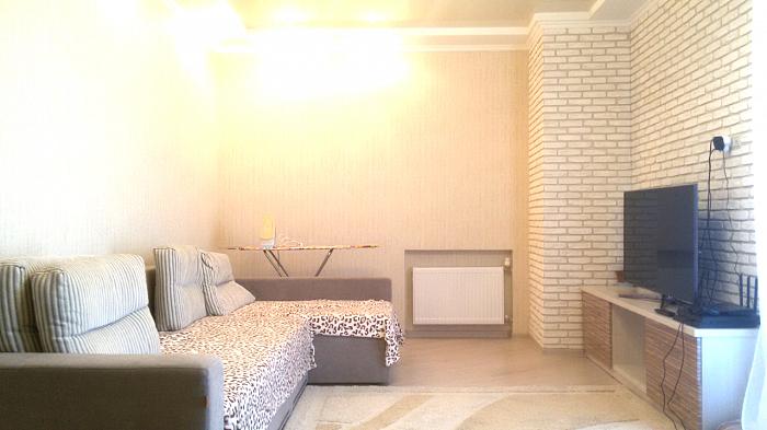 Однокомнатная квартирапосуточно в Полтаве. Киевский район, ул. Опытная, 3. Фото 1