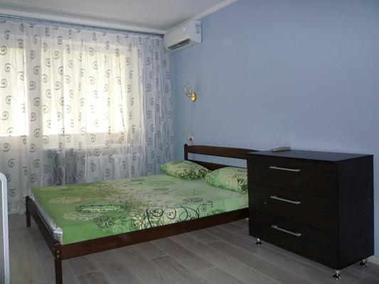 1-комнатная квартира посуточно в Днепре. Амур-Нижнеднепровский район, пр-т Слобожанский, 1. Фото 1