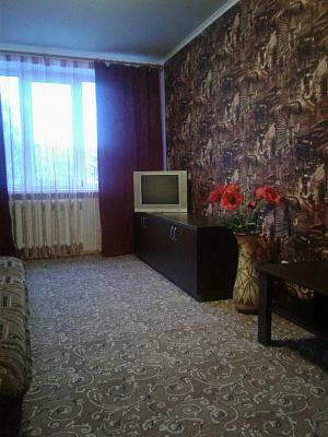 Однокомнатная квартирапосуточно в Шостке. ул. Свемовская, 4. Фото 1