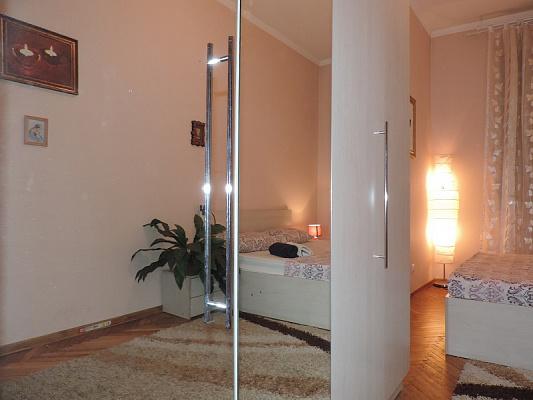 Трехкомнатная квартирапосуточно в Львове. Галицкий район, пр-т Черновола, 21. Фото 1