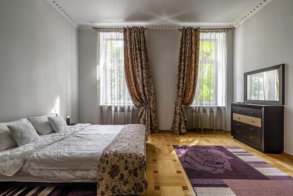 2-комнатная квартира посуточно в Львове. Лычаковский район, ул. Зеленая, 11. Фото 1