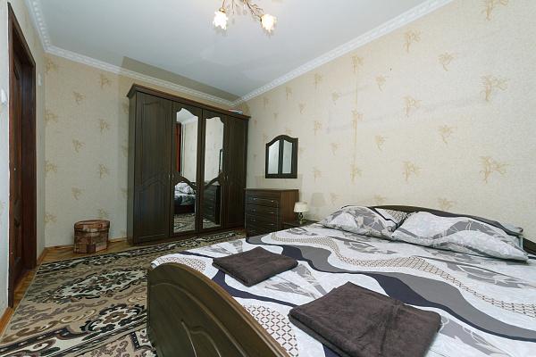 Двухкомнатная квартирапосуточно в Киеве. Печерский район, б-р Леси Украинки, 3. Фото 1