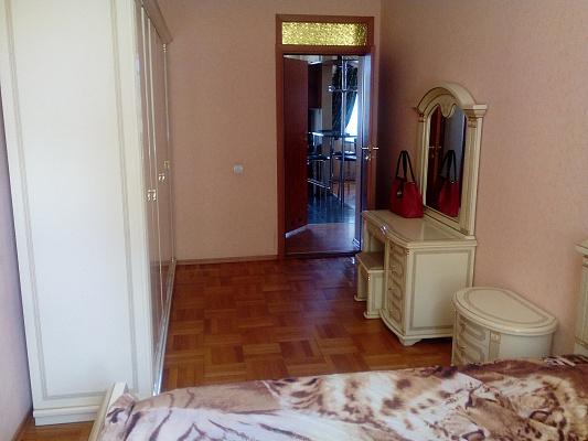 Четырехкомнатная квартирапосуточно в Одессе, Приморский район, ул. Троицкая, 28