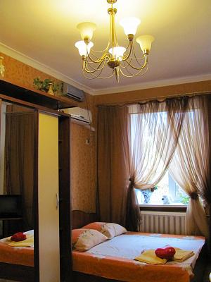 Однокомнатная квартирапосуточно в Одессе. Приморский район, пер. Некрасова, 6. Фото 1