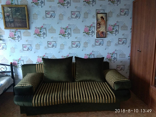 Однокомнатная квартирапосуточно в Мариуполе, Приморский район район, ул. Бахчиванджи, 16