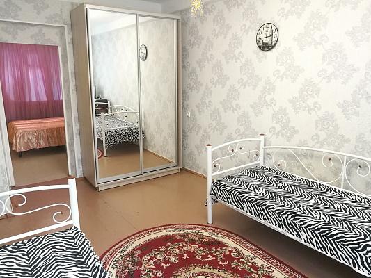 Двухкомнатная квартирапосуточно в Севастополе. Нахимовский район, ул. Михайловская, 5. Фото 1