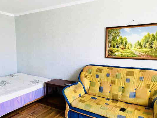 Однокомнатная квартирапосуточно в Сумах. Заречный район, ул. Харьковская, 24. Фото 1