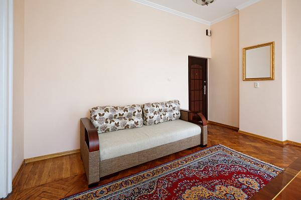 Двухкомнатная квартирапосуточно в Львове. Галицкий район, ул. Коперника, 19. Фото 1