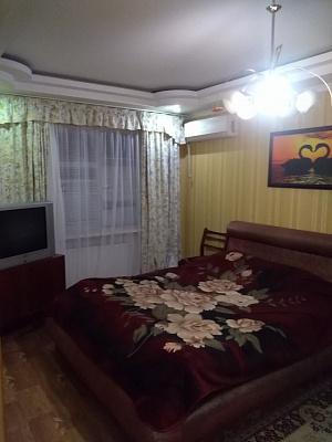 Двухкомнатная квартирапосуточно в Херсоне, ул. И. Кулика, 126. Фото 1