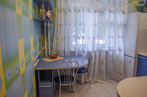 Двухкомнатная квартирапосуточно в Харькове, Киевский район, ул. Маршала Бажанова, 12