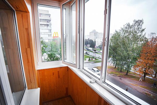 Однокомнатная квартирапосуточно в Виннице, Ленинский район, пр-т Юности, 22