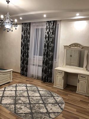 Мини-отель  посуточно в Трускавце. ул. Стебницкая, 24. Фото 1