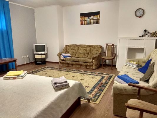 Однокомнатная квартирапосуточно в Мукачево, ул. Беляева, 5