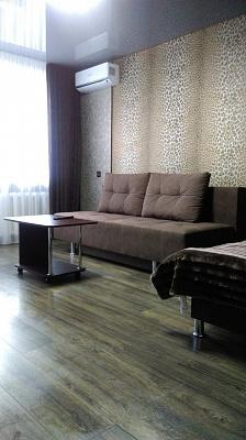 Однокомнатная квартирапосуточно в Мариуполе, Центральный район, пр-т Строителей, 98