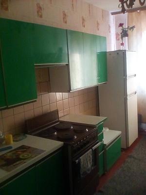 Трехкомнатная квартирапосуточно в Славутиче. Квартал Добрынинский, 11. Фото 1