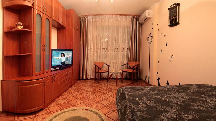 Однокомнатная квартирапосуточно в Полтаве, Киевский район, ул. Соборности, 59-а. Фото 1