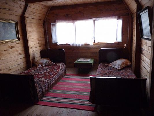 Дом посуточно в Новгород-Северском, ул. Грушевского, 14