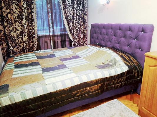 Двухкомнатная квартирапосуточно в Виннице. Ленинский район, ул. Грушевского, 66. Фото 1