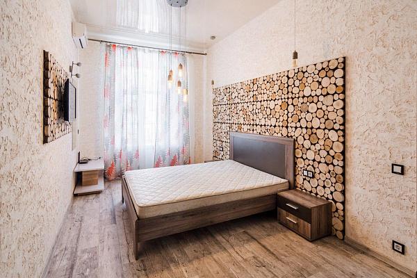 3-кімнатна квартираподобово в Одесі. Приморський район, вул. Грецька, 23. Фото 1