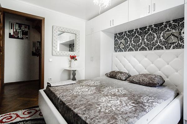 Четырехкомнатная квартирапосуточно в Одессе, Приморский район, ул. Екатериненская, 20