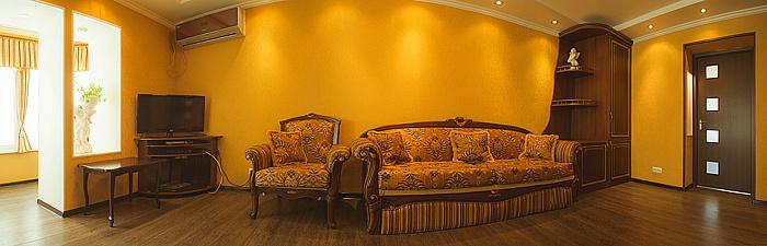 Двухкомнатная квартирапосуточно в Мелитополе. пр-т Хмельницкого, 48. Фото 1