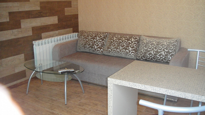 Двухкомнатная квартирапосуточно в Севастополе, Ленинский район, п-т Античный, 6. Фото 1