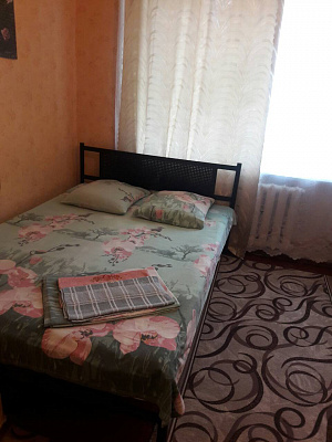 Однокомнатная квартирапосуточно в Конотопе. ул. Высокая, 6. Фото 1