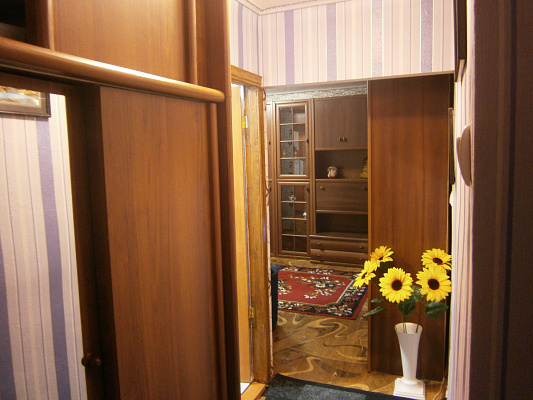 Однокомнатная квартирапосуточно в Конотопе. ул. Депутатская, 7. Фото 1