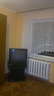 Однокомнатная квартирапосуточно в Киеве. Деснянский район, Милютенко, 5-А. Фото 1