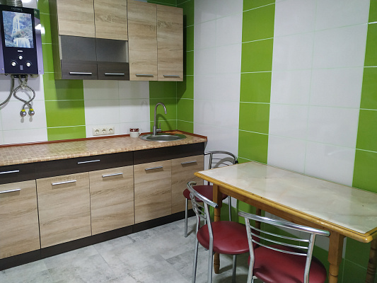 Двухкомнатная квартирапосуточно в Ковеле. ул. Сагайдачного, 8. Фото 1