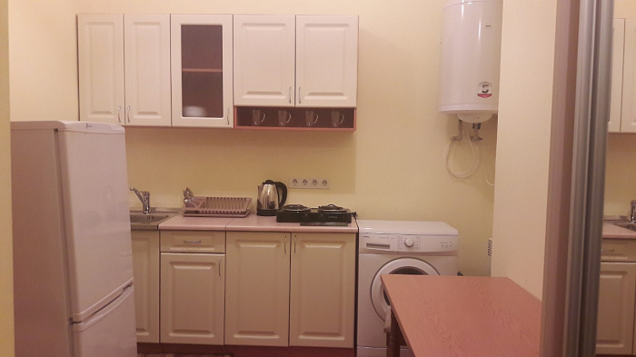 Однокомнатная квартирапосуточно в Ужгороде. ул. Шандора Петефи, 31. Фото 1