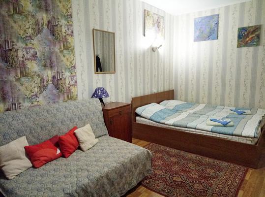 Однокомнатная квартирапосуточно в Чернигове, Деснянский район, ул. Гетьмана Полуботка, 8А. Фото 1