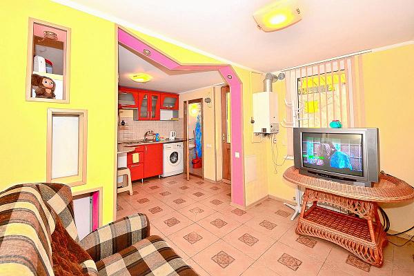 Дом посуточно в Ялте, ул. Руданского, 9. Фото 1