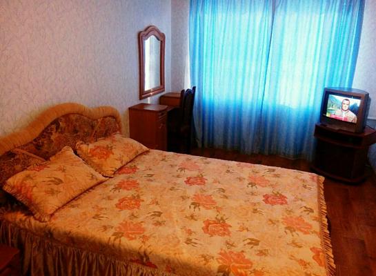Двухкомнатная квартирапосуточно в Житомире, ул. Небесной Сотни, 31. Фото 1