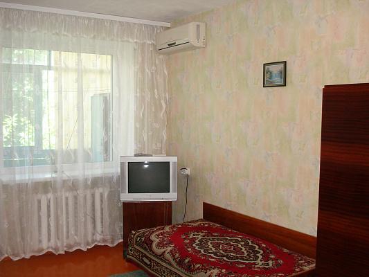 Однокомнатная квартирапосуточно в Бердянске. ул. Первомайская, 1\48. Фото 1
