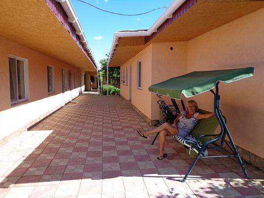 Мини-отель посуточно в Евпатории, Уютная, 21. Фото 1