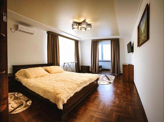 Однокомнатная квартирапосуточно в Трускавце. ул. Степана Бандеры, 35. Фото 1
