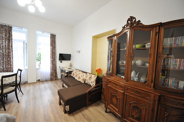 1-комнатная квартира посуточно в Львове. Галицкий район, ул. Шопeна, 7. Фото 1