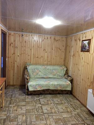 Трехкомнатная квартирапосуточно в Первомайске, ул. Одесская, 74