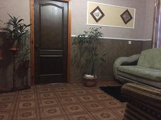 Дом посуточно в Артемовске (Бахмуте), ул. Козаченко, 18