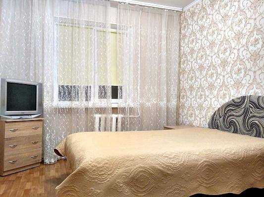 Двухкомнатная квартирапосуточно в Белой Церкви. ул. Ивана Мазепы, 81а. Фото 1