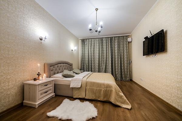 Двухкомнатная квартирапосуточно в Львове. Галицкий район, ул. Академика Гнатюка, 3. Фото 1