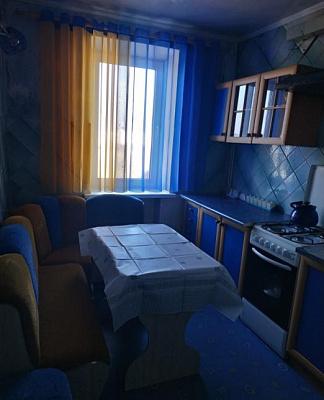 Трехкомнатная квартирапосуточно в Днепрорудном. ул. Молодежная, 2. Фото 1