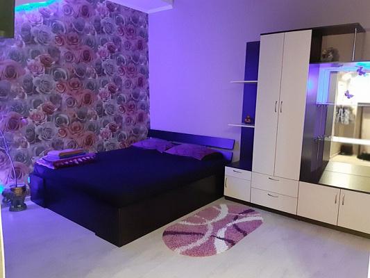 Однокомнатная квартирапосуточно в Запорожье. Жовтневый район, ул. Александровская, 97а. Фото 1