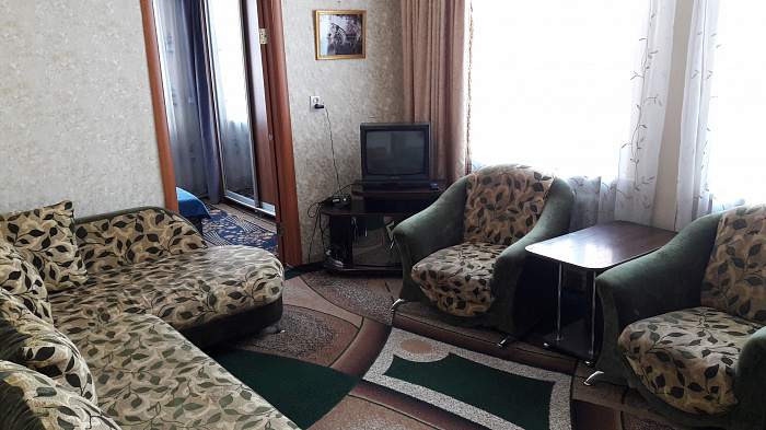 Двухкомнатная квартирапосуточно в Бердичеве. ул. Житомирская (Ленина), 7. Фото 1